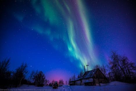 Berburu Foto Aurora: Tips Memotret Keindahan Cahaya Utara di Lingkar Kutub