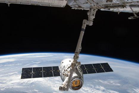 SpaceX Dragon AS, Versi Bajakan dari Pesawat Antariksa Kuno Soviet?
