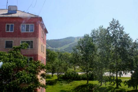 Di Bawah Sorot Tajam: Buruh Korea Utara di Sakhalin