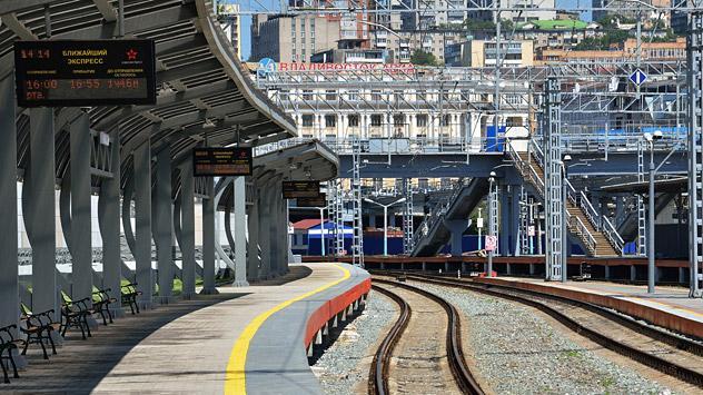 Bertemu Dubes Rusia, Gubernur Kaltim Bicarakan Proyek Pembangunan Kereta
