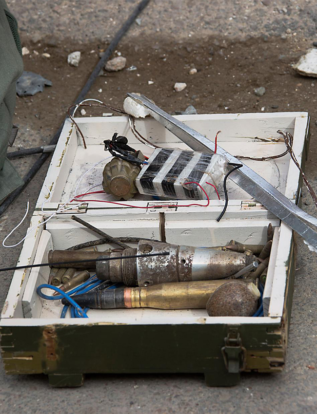 KONSTANTIN LEYFER/TASS Explosives found in the ancient town of Palmyra. Islamic State militants have not only destroyed many of Palmyra's heritage sites but they have also laid mines in historic and residential parts of the town. Foto: Konstantin Leyer/TASS
