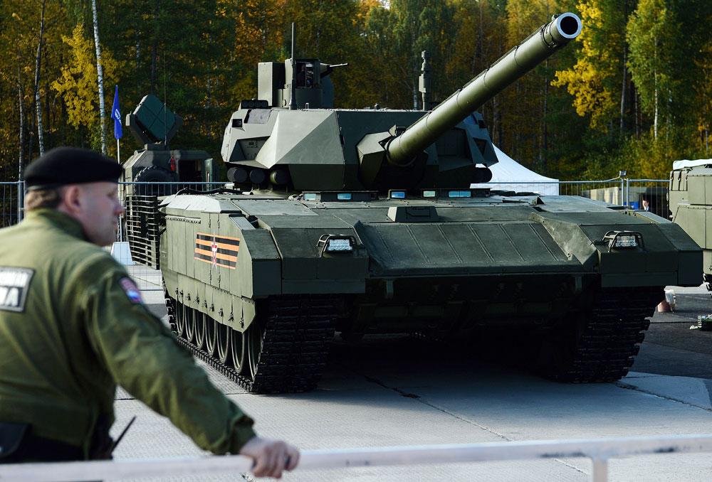 "A T-14 Armata main battle tank on display at the ""Russia Arms Expo 2015"" exhibition in Nizhny Tagil. / Photo: Donat Sorokin / TASS"