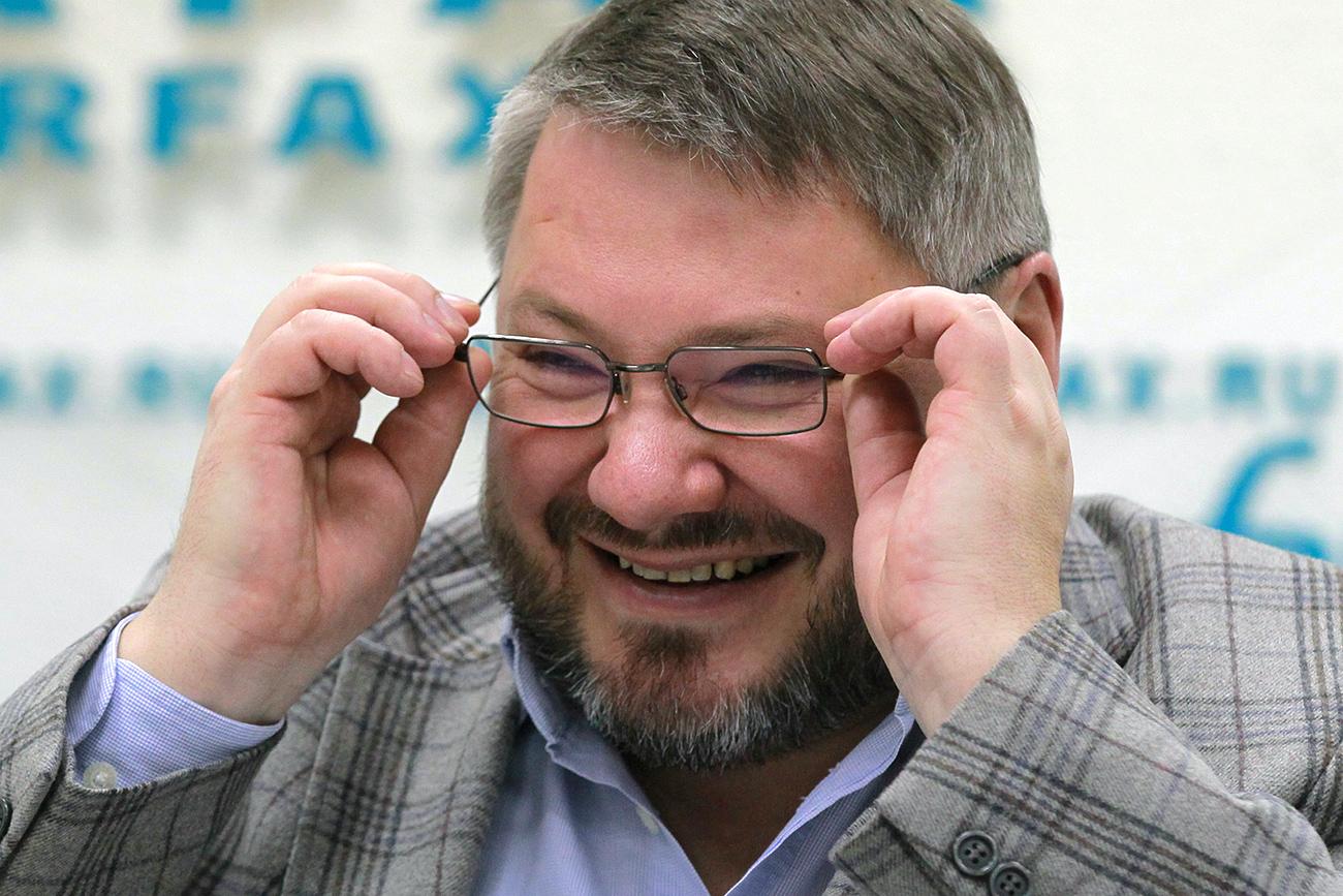 Pemimpin Partai Monarki Rusia Anton Bakov di sebuah konferensi pers. Sumber: Vitaliy Belusov/RIA Novosti