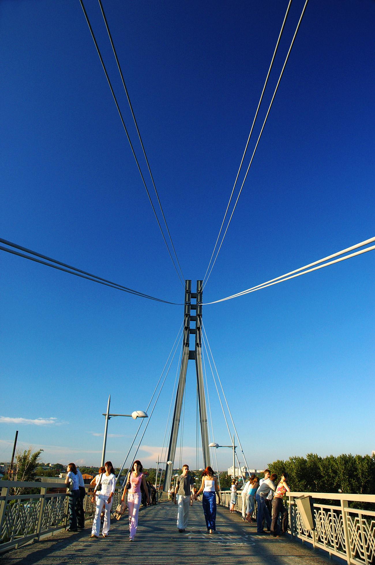 Bridge over the Tura River, Tyumen.