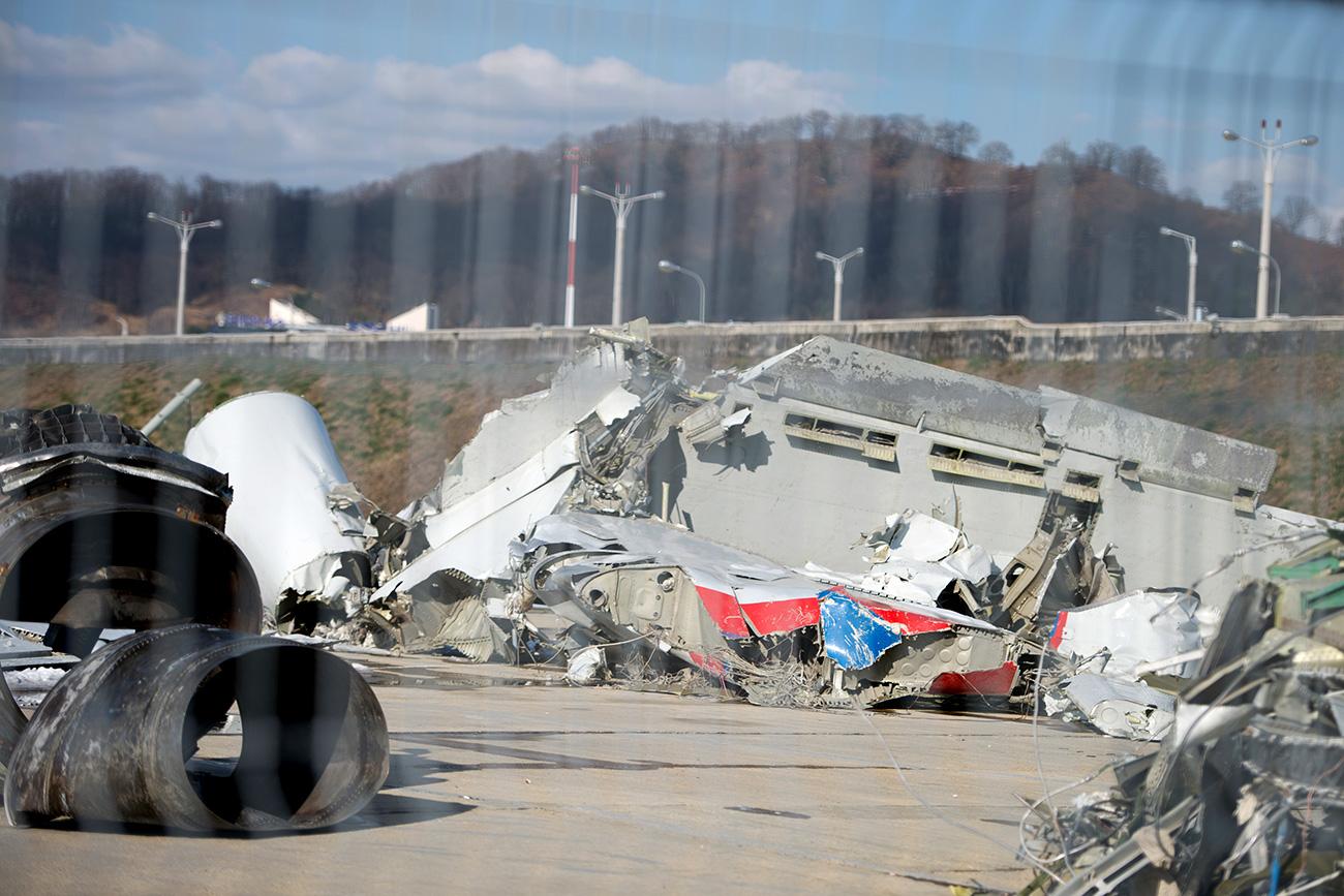 Del razbitin na letališču v Sočiju. Vir: Nina Zotina/RIA Novosti