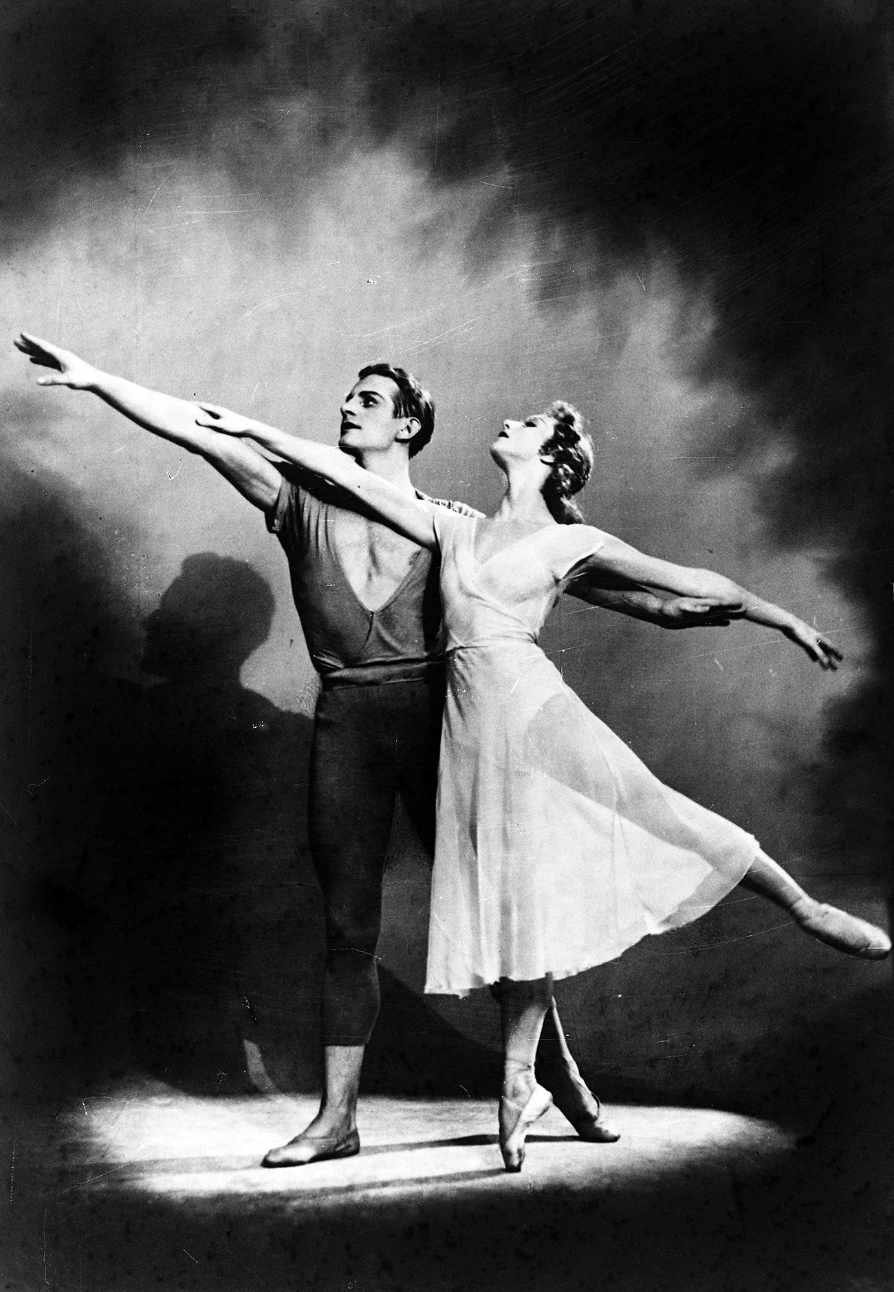 Alla Osipenko y Askold Makárov en el ballet Coast of Hope. Teatro Acedémico Estatal de Ópera y Ballet de Leningrado. Fuente: RIA Nóvosti