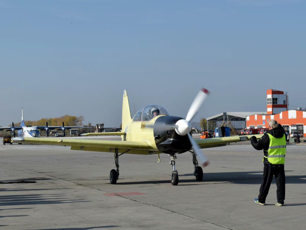 Yak-152. Sumber: Irkut Corporation