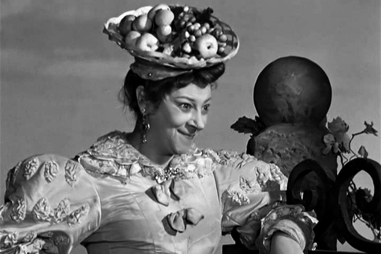 Faína Ranévskaia como madrastra en 'Cenicienta', 1947. Fuente: Imagen de archivo
