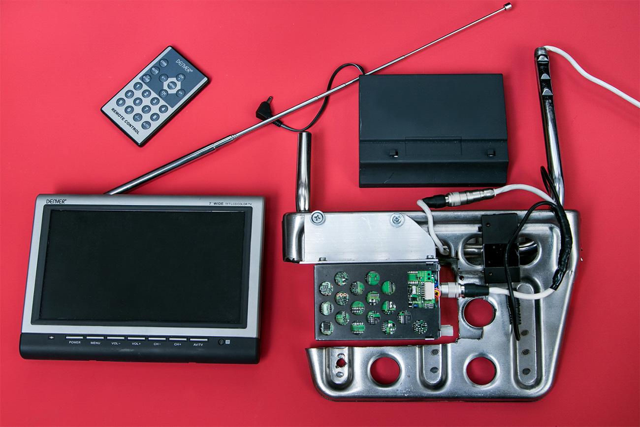 Peralatan milik badan intelijen Estonia. Sumber: Ilya Ogarev