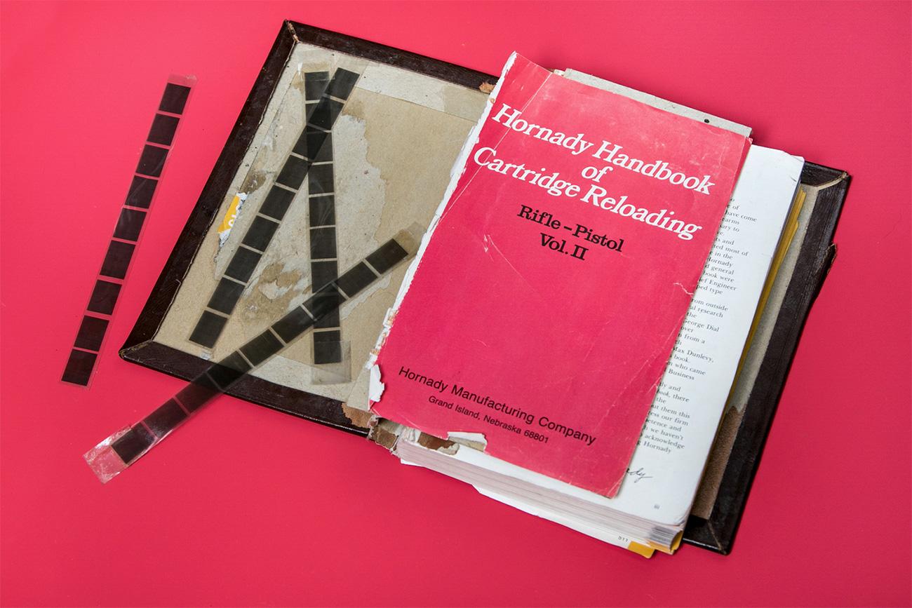 Buku untuk menguraikan pesan rahasia. Sumber: Ilya Ogarev