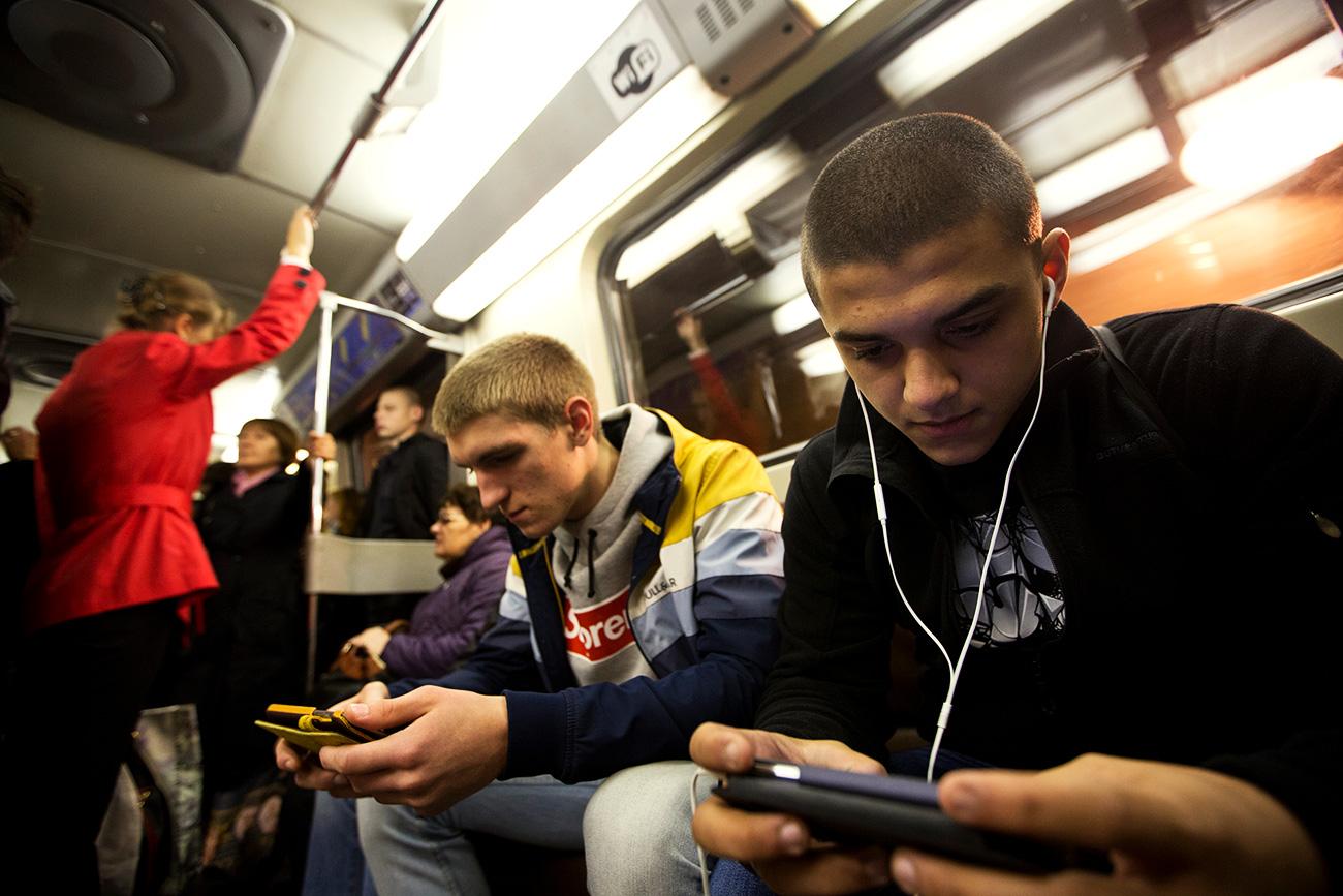 Metro Moskow menyediakan layanan WiFi gratis sejak 2014. Sumber: Pavel Golovkin/TASS