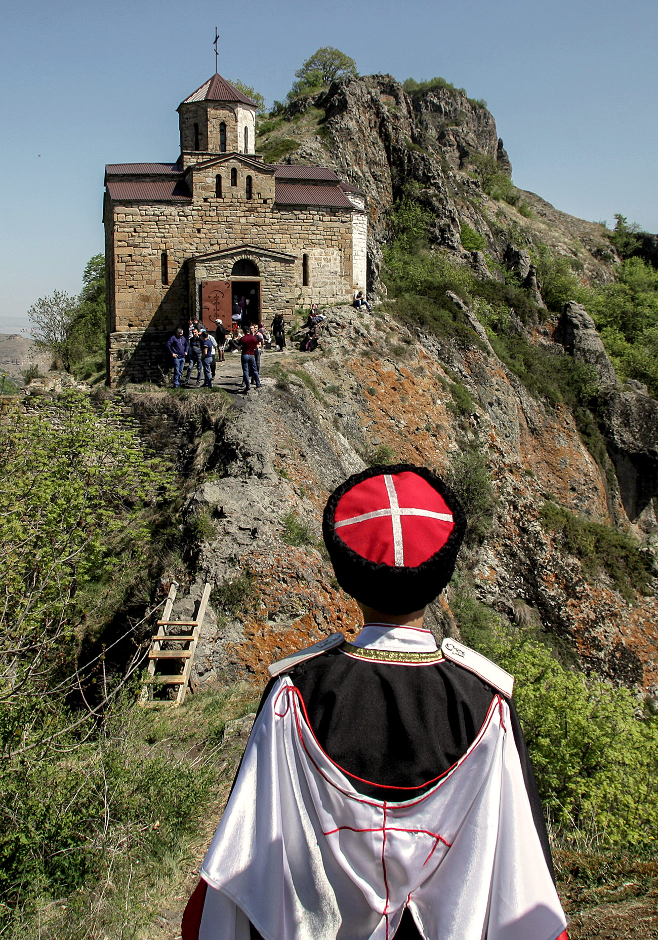 Turisti v Šoaninski cerkvi. Vir: Denis Abramov / RIA Novosti
