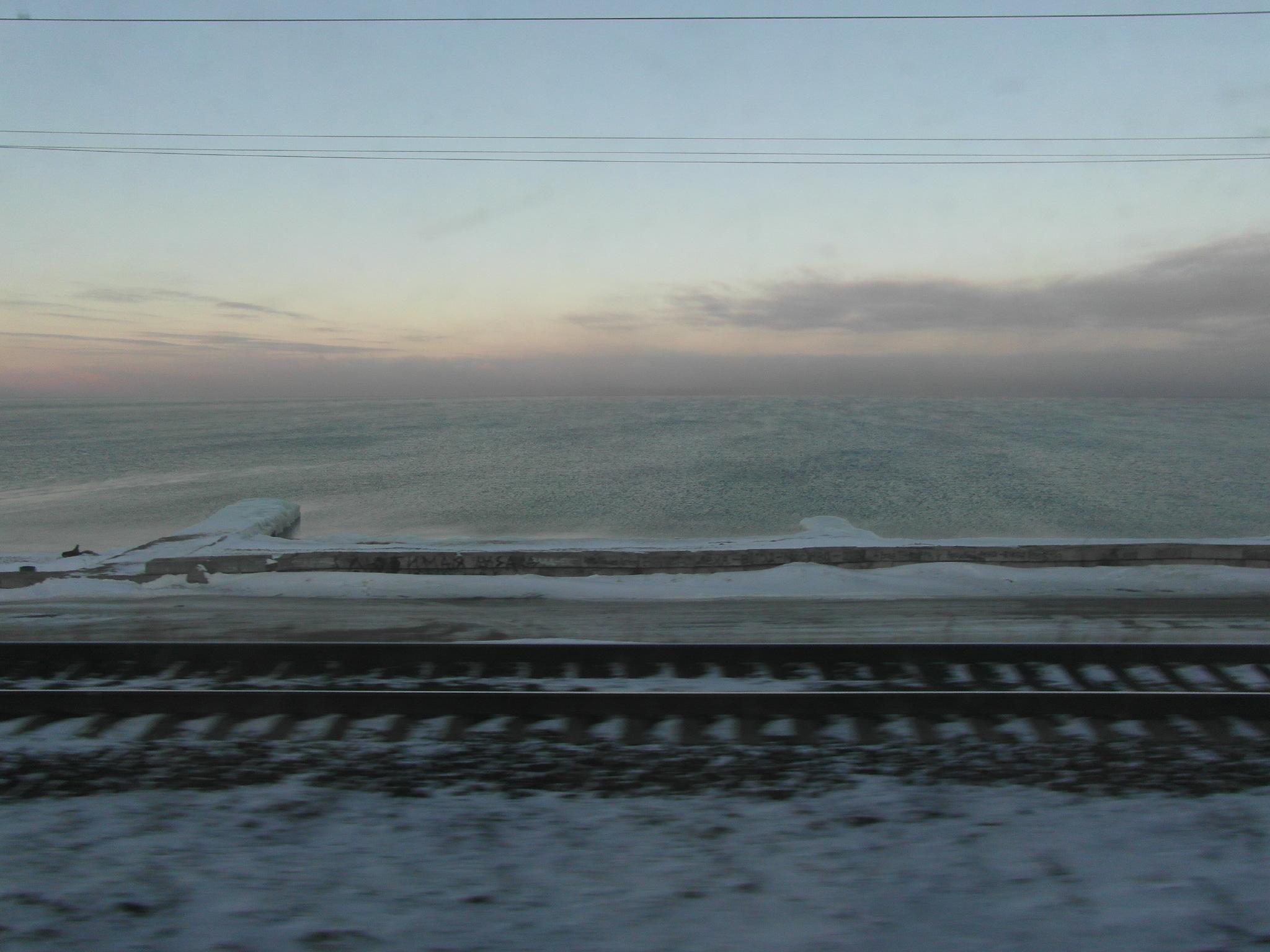 Jutro na Bajkalskem jezeru. Uživajte v 30 najlepših minutah na šestdnevnem potovanju s Transibirsko železnico. Vir: Peggy Loshe