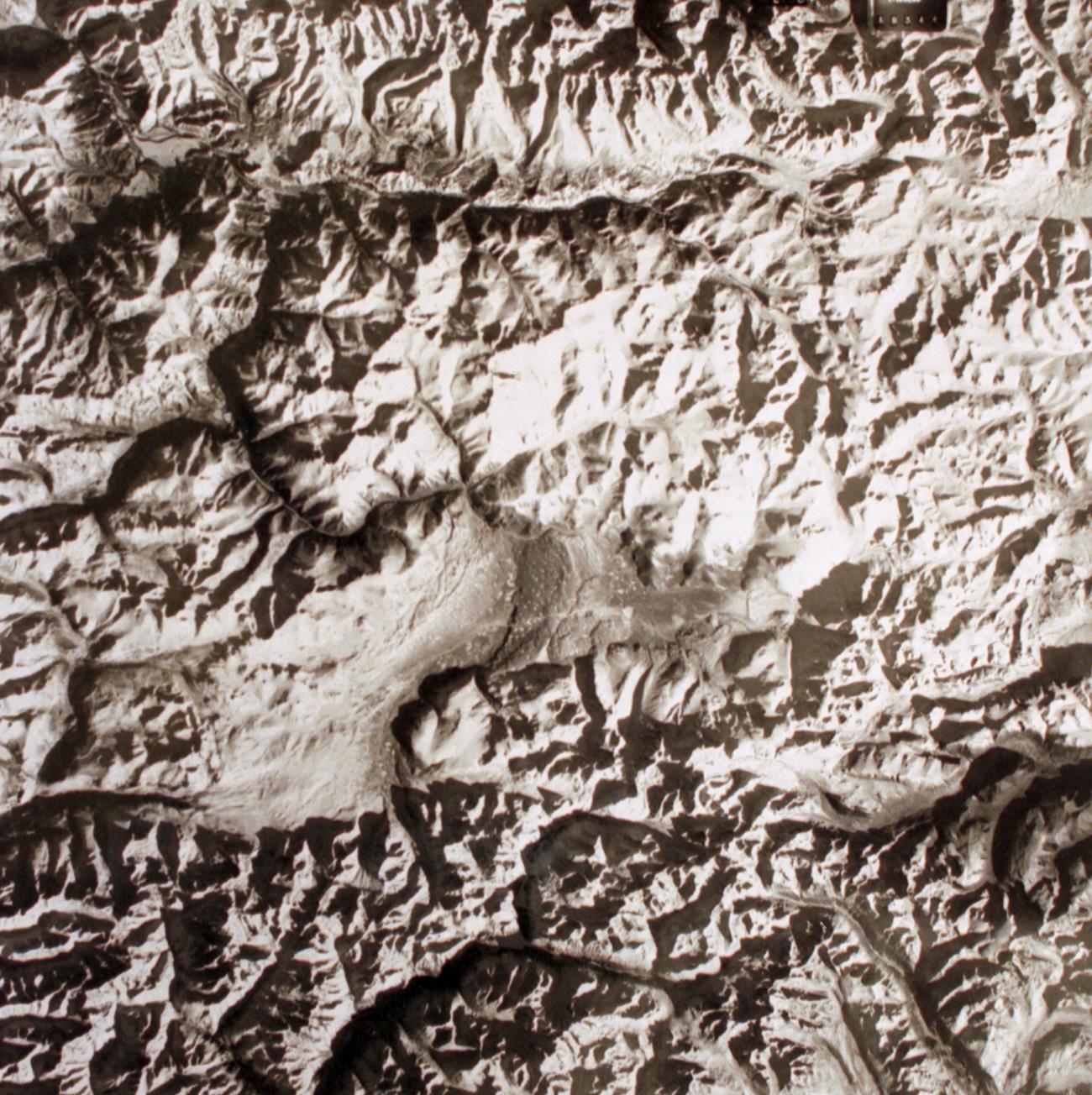 """""""Било је забрањено говорити гласно да се мртви не би узнемирили. То правило су прекршили археолози када су 1993. године пронашли невероватно добро очувану мумију жене која је умрла пре око 2.500 година"""". Извор: ТАСС"""