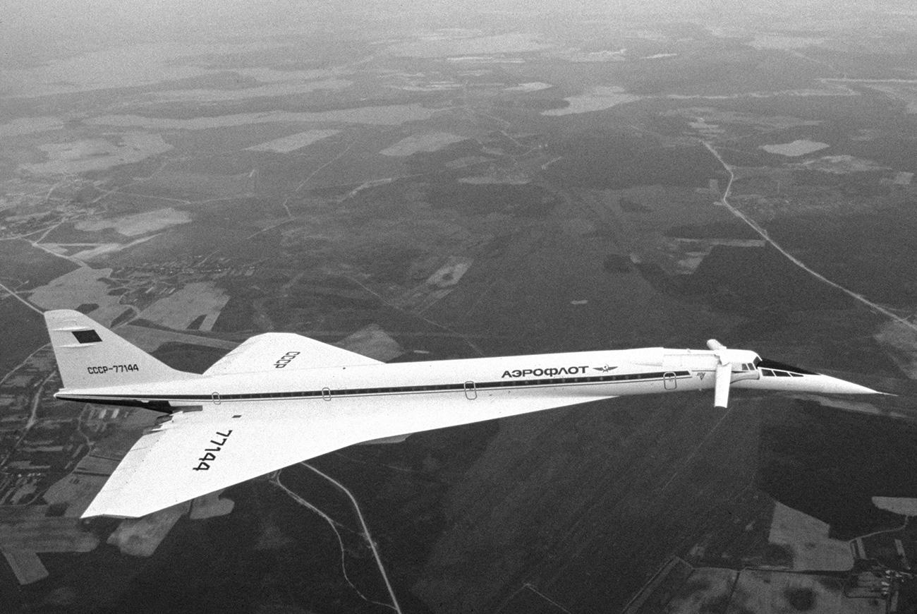 Tupoljev Tu-144, Aeroflotovo nadzvočno letalo v zraku. Vir: Boris Korzin / Global Look Press