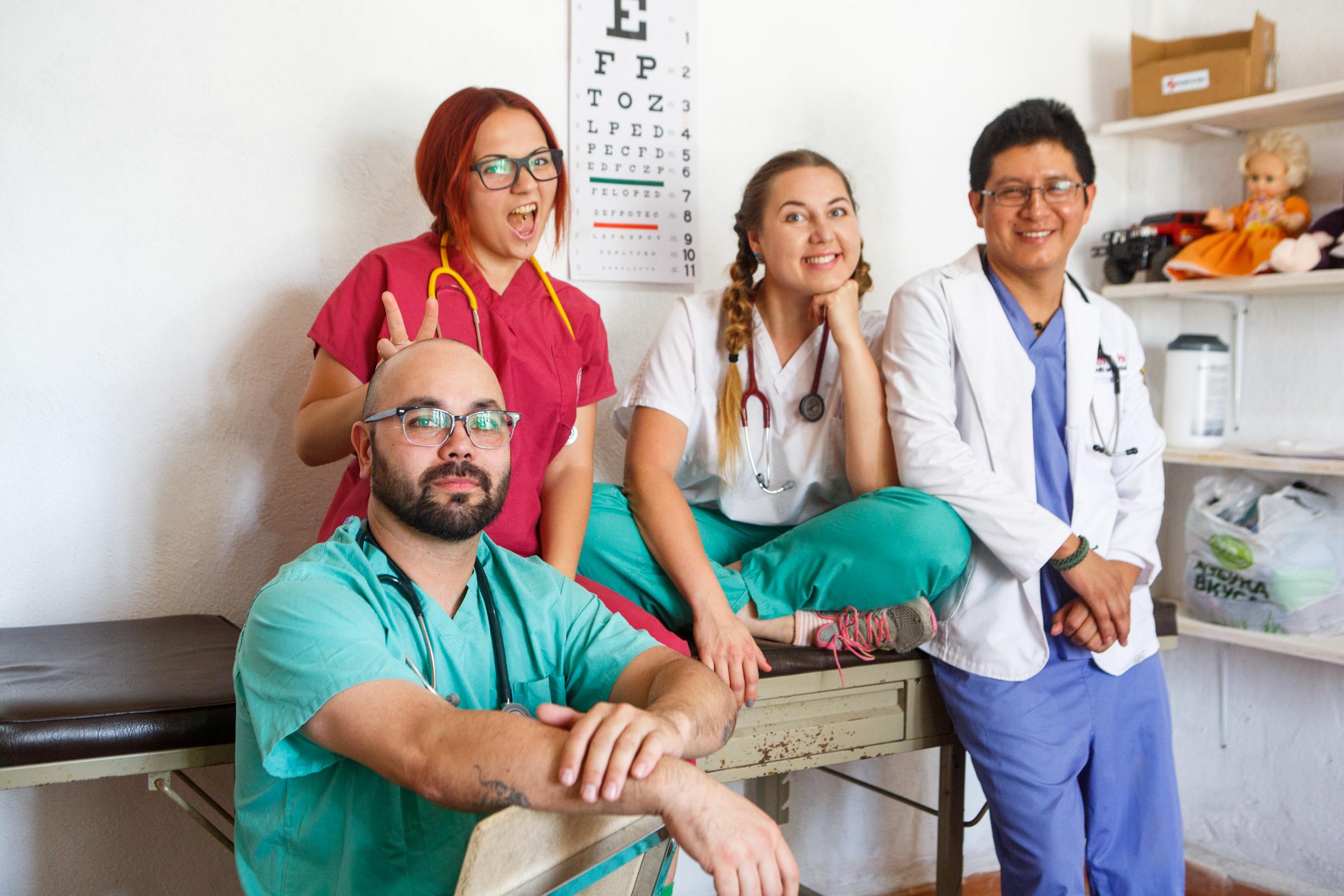 Los médicos de la clínica benéfica Health&Help en Guatemala. Fuente: Archivo personal