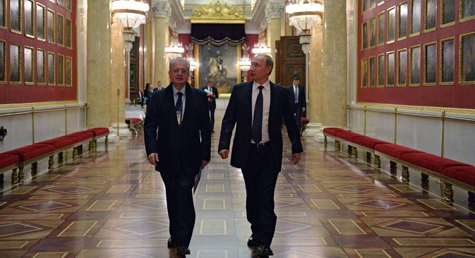 Ulang Tahun Museum Hermitage ke-250, Putin Hadiahkan Dua Jam Faberge