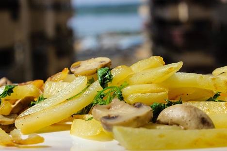 Russian Kitchen: the world of potatoes