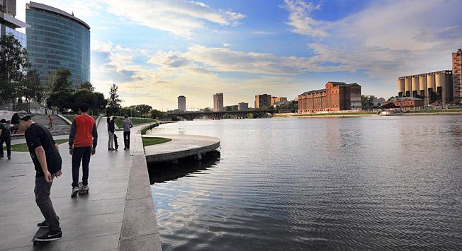 Nabrežje reke Iset, Jekateriburg. Vir: Lori / Legion-Media