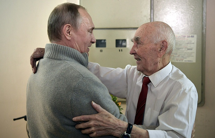 Russian President Vladimir Putin congratulating Lazar Matveyev on his 90th birthday.