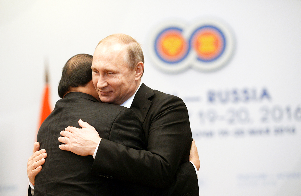 Vladimir Putin and Prime Minister of Vietnam Nguyen Xuan Phuc during a bilateral meeting in Sochi on May 19.