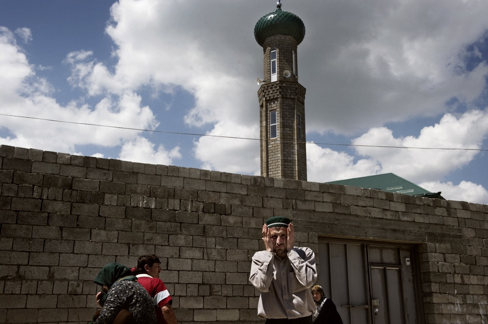 The mosque in Buinaks.