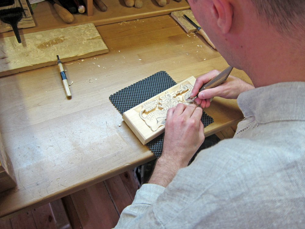 Engravers in Gorodets are true masters of their profession.