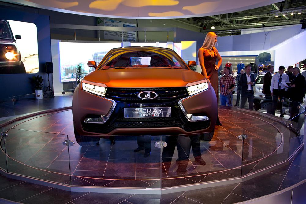 Carro-conceito da Avtovaz, Lada X-Ray assume linha de frente de produção russa