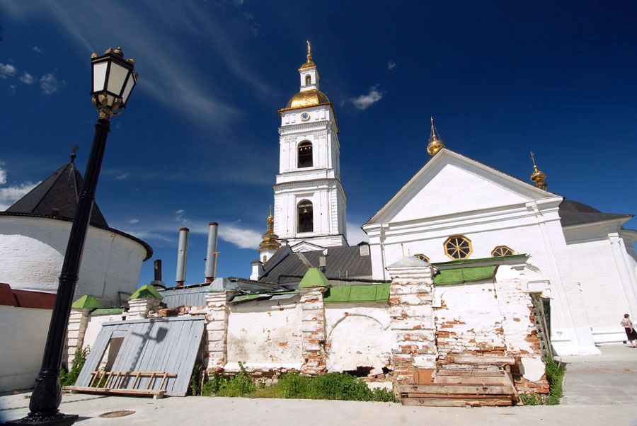 "The 18th century was a particularly rich time for the construction of churches in Tobolsk, many of which were decorated in a ""Siberian baroque"" style."