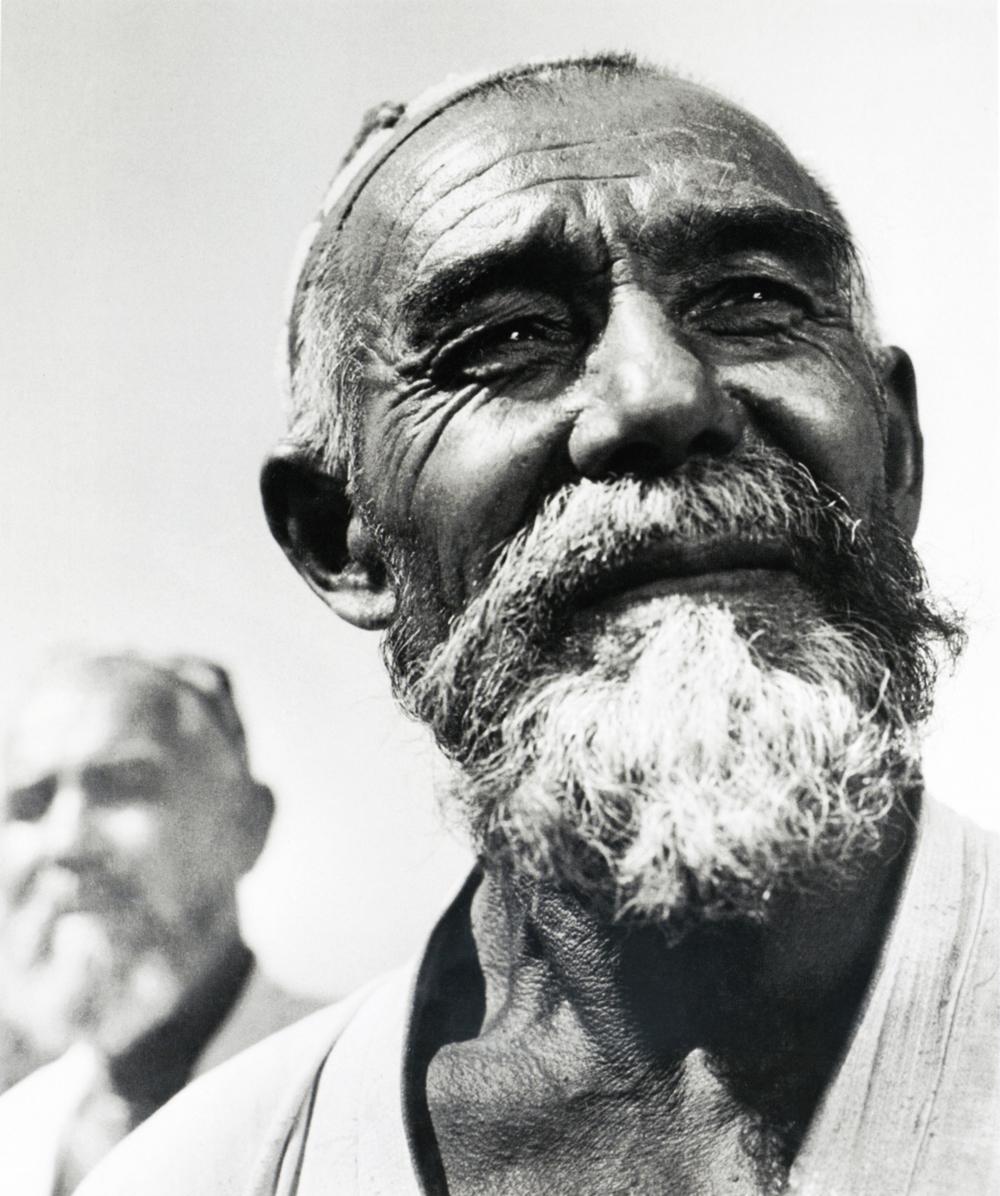 Agricultor uzbeque. 1960.Apesar de a carreira de Baltermants ter sido um enorme sucesso, considerando os padrões soviéticos – fotografando, publicando e fazendo exposições, além de ter recebido autorização para trabalhar no exterior –, ele nunca foi exatamente um fotógrafo soviético.