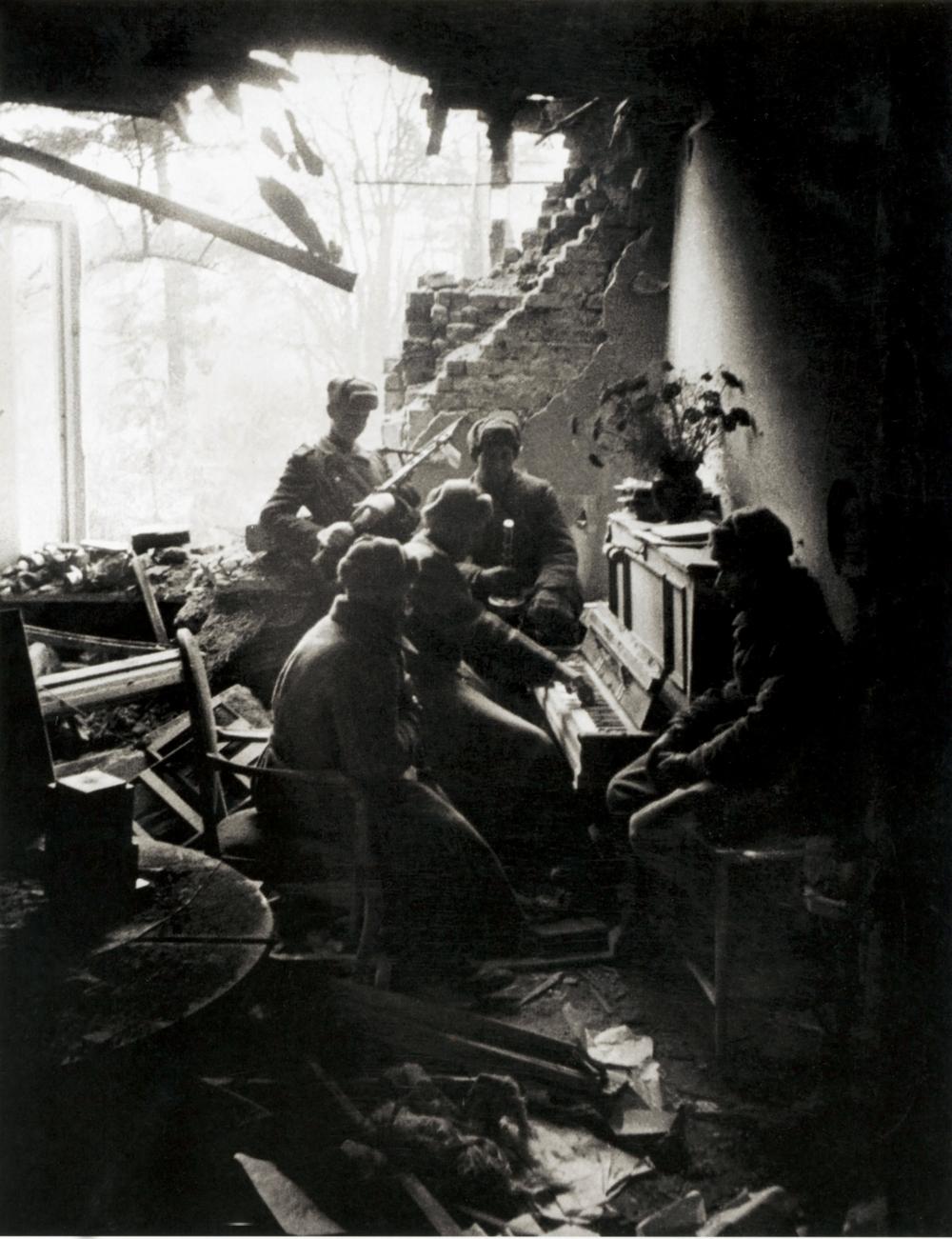 Tchaikóvski. Alemanha. 1945.1939 foi um ano de grandes mudanças de estilo na cultura soviética.