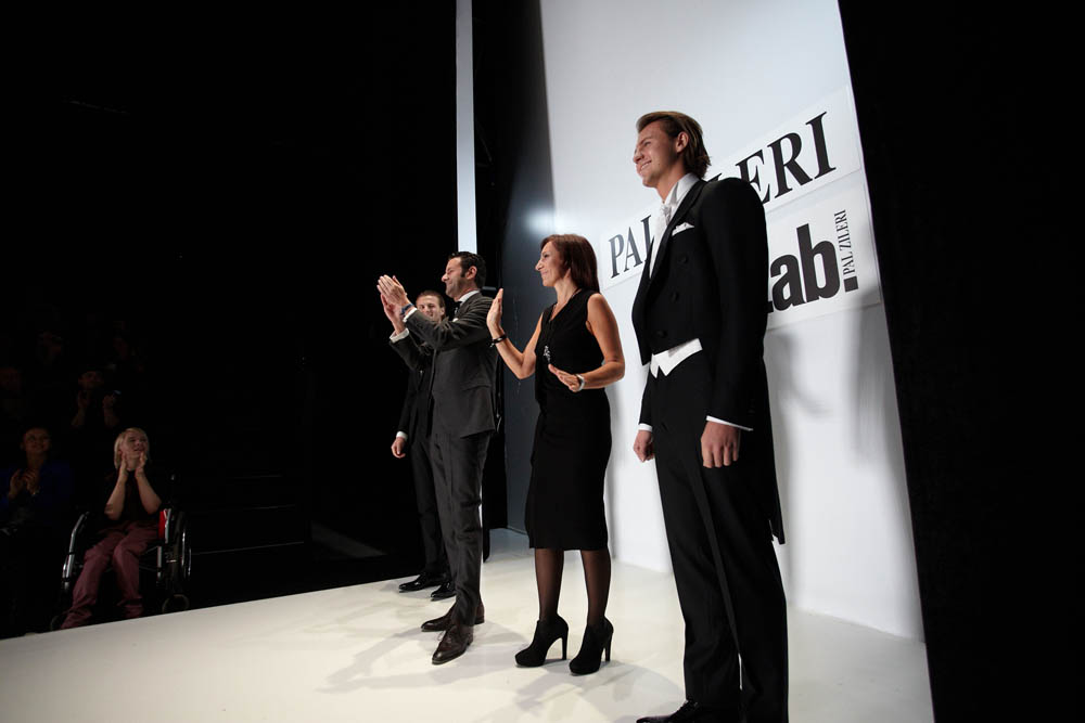 La 25ma edizione della Mercedes Benz Fashion Week a Mosca, dal 18 al 22 ottobre 2012, si è conclusa con la sfilata dell'azienda veneta di alta sartoria Pal Zileri