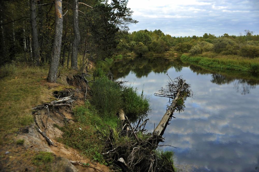 Mintzi est situé à 148 m au-dessus du niveau de la mer, à l'embranchement de la rivière Minetchki et de la Pes.