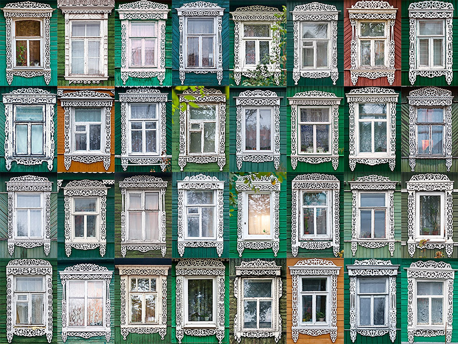 Window casings in small Russian towns are similar and the reason of this similarity is quite simple: people obviously did not want to make a design that differs from the other houses of the neighborhood. Look at the casings in MICHURINSK: they have a single method of manufacture, and all of them are painted white (while almost all the houses are painted green).
