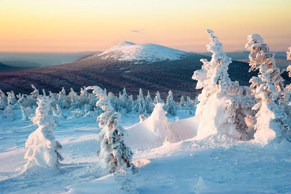 Taganaj - den Nationalpark im russischen Gebiet Tscheljabinsk - assoziieren die meisten Russen mit Wandern in der Natur. Es gibt hier gut angelegte Wege, Skipisten unterschiedlicher Längen und Kategorien.