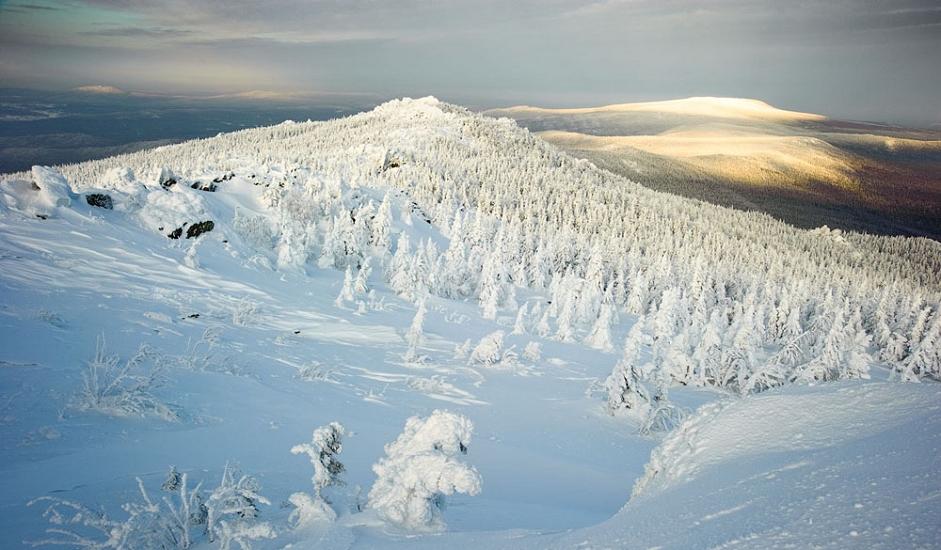 """2/10. Хотелски комплекс """"Таганај"""" налази се у подножју планине Круглица. Успон на ову планину са два врха почиње на извору Бели Кључ."""