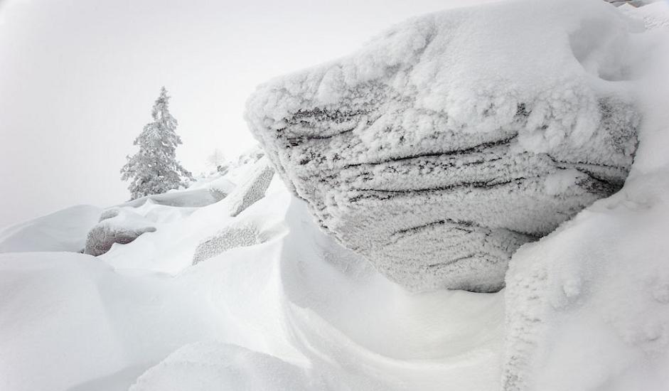 7/10. Планинари који долазе у сезони углавном не користе колибе. За њих Таганај представља слободу, као и прилику да током звезданих вечери преноће на планинским заравнима поред логорске ватре.