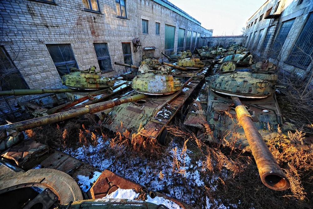 Base de reparação de equipamento militar abandonada em Ussuriisk, no Extremo Oriente russo, a mais de 7.000 km de Moscou. Foi uma das três bases que, durante a União Soviética, se ocupava de consertar e modernizar tanques.