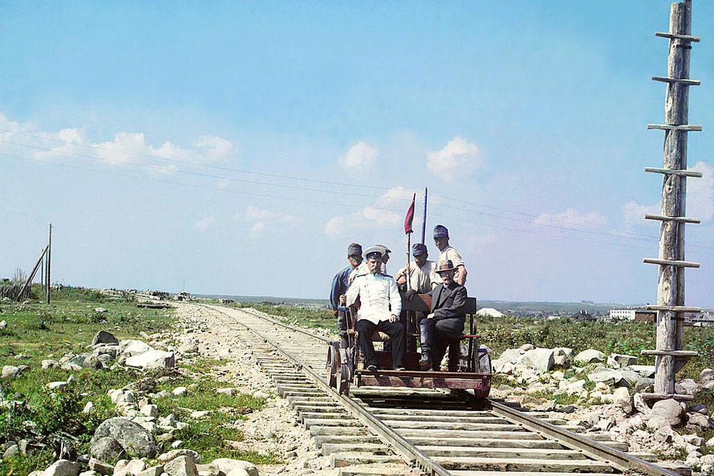 On the handcar outside Petrozavodsk on the Murmansk railway. 1915 // In the 1930s, the elderly Prokudin-Gorsky continued with lectures showing his photographs of Russia to young Russians in France, but stopped commercial work.
