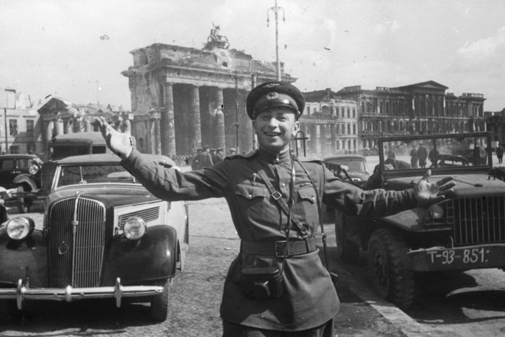 Berlin. 1945 // Yakov was rewarded the Order of the Patriotic War and the Order of Wartime Red Star. He rarely handled a weapon – his weapon was a photo camera.