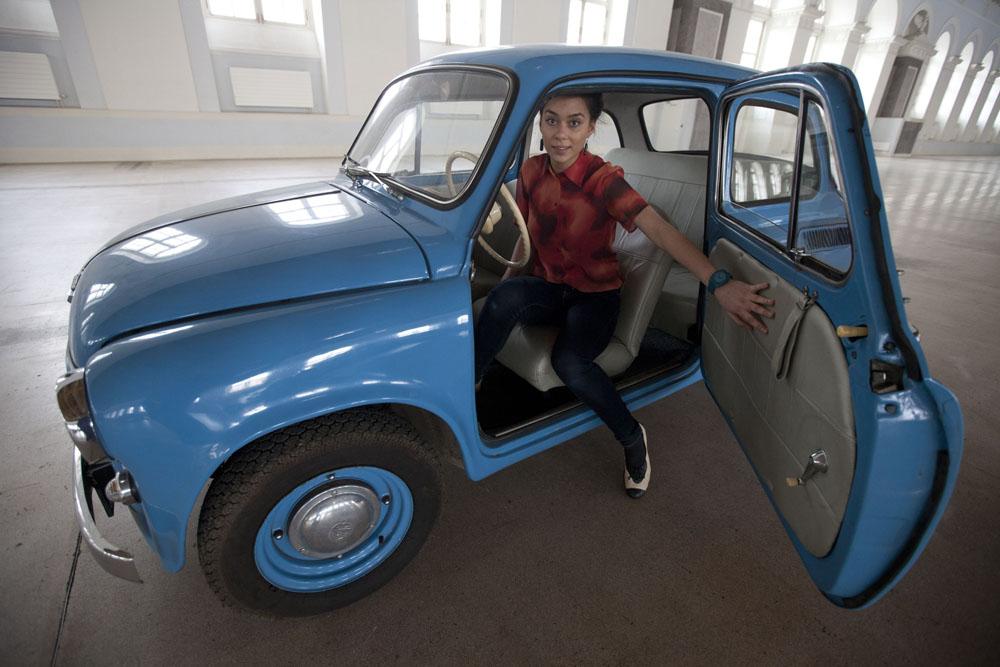 Los ZAZ Zaporozhets fueron una serie de coches compactos diseñados y construidos a partir de 1958 en la fábrica ZAZ de la Ucrania soviética. Los diferentes tipos de Zaporozhets siguieron fabricándose hasta 1994. Zaporozhets significa cosaco de la región de Zaporozh.