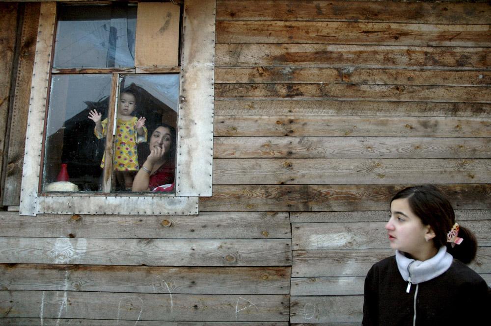 2/10. Локалне власти саградиле су им куће – читаву улицу, касније названу по Јурију Гагарину. Потом су почели да пристижу и остали чланови породица нових станара, затим и њихови рођаци. Насеље се касније проширило јер су изграђене бројне помоћне зграде.
