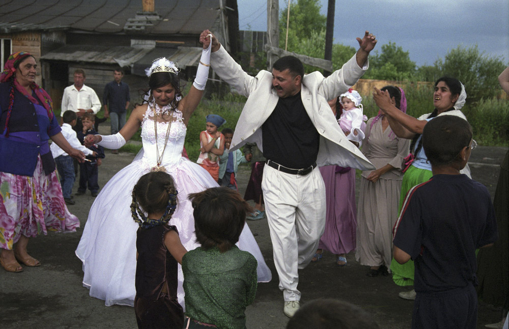 "Gypsies do not marry for love. Their fate is predetermined by their parents. Weddings are completely financed by the bridegroom's relatives. Moreover, they pay a hefty sum to the bride's parents — a so-called ""ransom."""