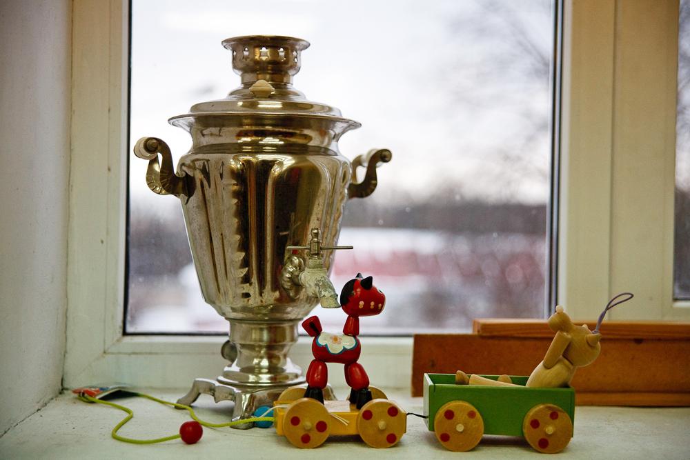 バギー、ピラミッド、動くフィギュア、そろばんなどの現代のおもちゃも展示されている。