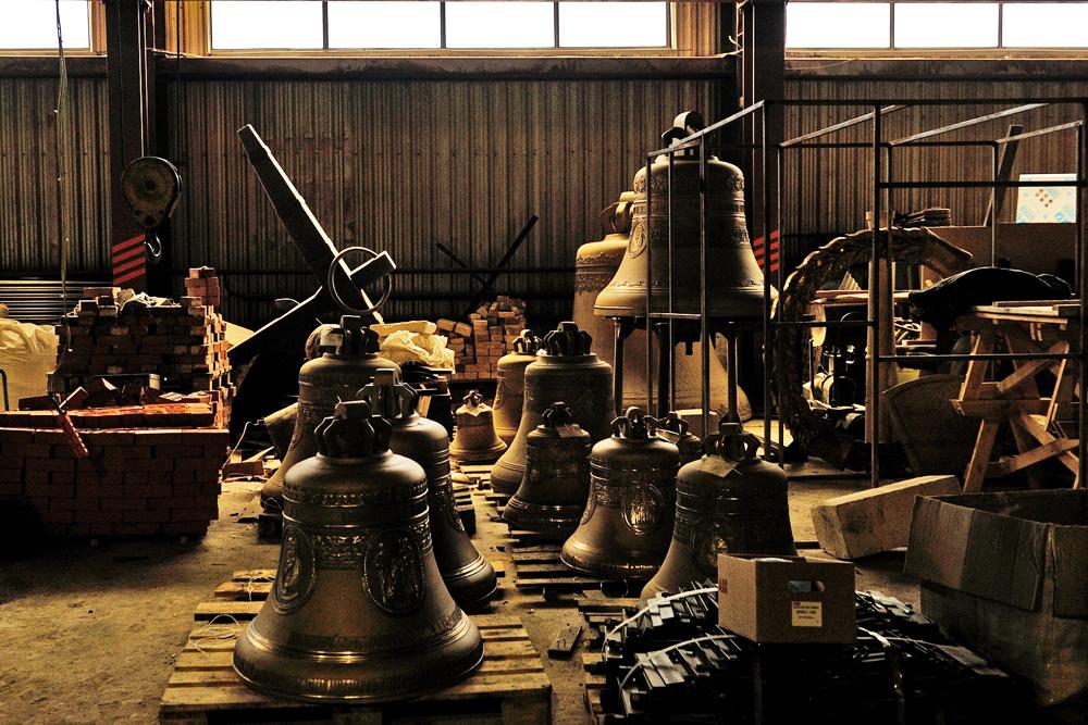 鐘を鋳造する日は、鐘の創造の謎を知る者にとっては特別な意味がある。