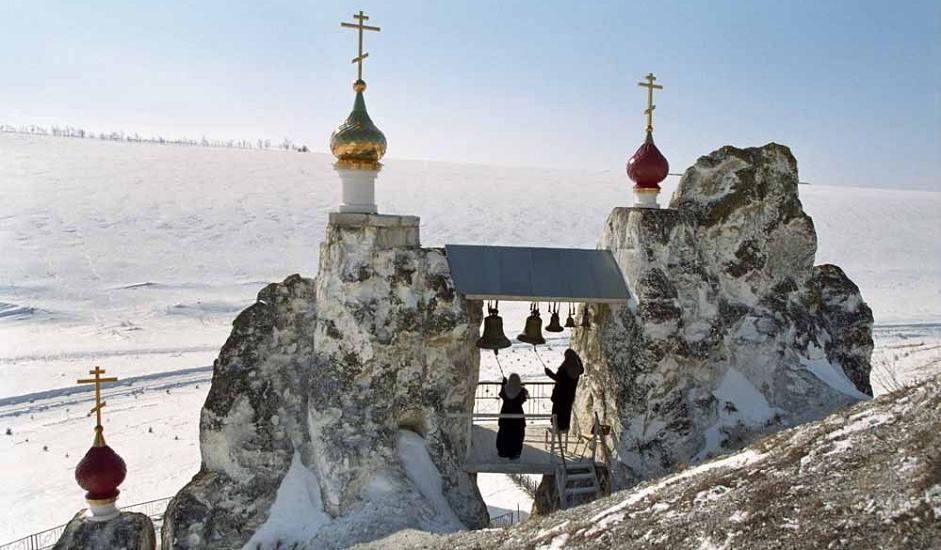 15/15. Сам храм налази се у пећини испод звоника. Комплекс обухвата две пећинске цркве и пет пећина за житеље манастира. Будући да се налази на око 200 km од Вороњежа, манастир привлачи велики број туриста.