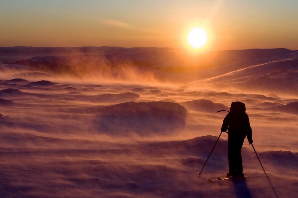 Vous avez déjà vu naître les dragons de la nuit polaire, ces serpents de glace au dard brûlant de froid.