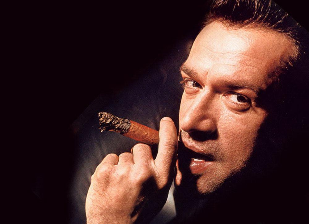 Vladimir Machkov est né le 27 novembre 1963 à Toula. Il est connu en France pour son rôle de Platon Makovsky dans le film de Pavel Lounguine «Un nouveau Russe» (2002). Son père était acteur de théâtre à Toula et sa mère, ayant des origines italiennes, metteur en scène dans ce même théâtre. À partir de 1994, il obtint des rôles principaux et se fit connaître d'un large public en Russie.
