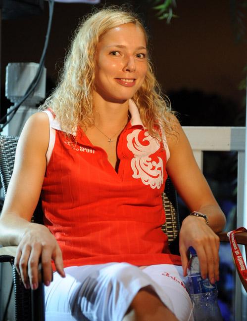 En 2006, Ilona a été officiellement reconnue par la FIBA « Visage du basketball féminin ».