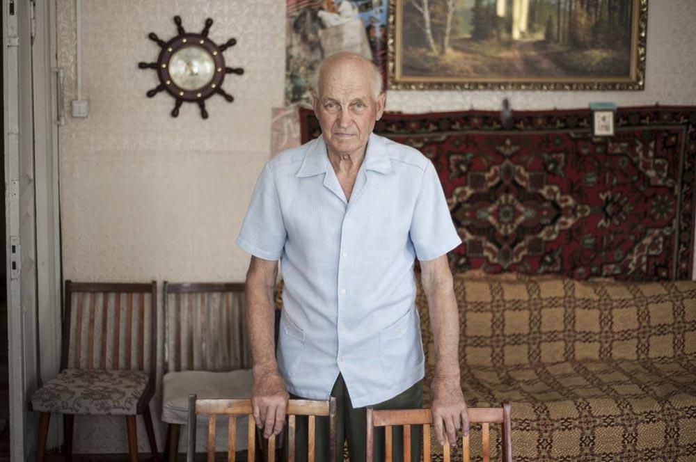 Николај Новотељнов е роден во Молога и живеел во градот 15 години. Тој е еден од 5.000 луѓе кои одненадеж беа принудени да ја напуштат Молога бидејќи властите донесоа одлука на тоа место да се направи Рибинското акумулационо езеро.